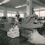 erste spezielle Haftetikettenmaschine von Gallus